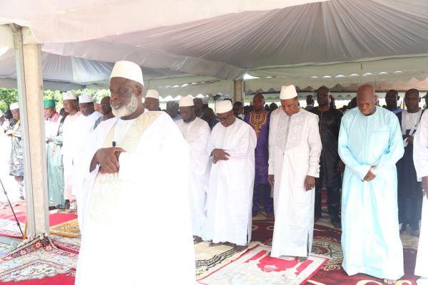 Fête de Tabaski : Alpha Grimpeur entre-ouvre les mosquées