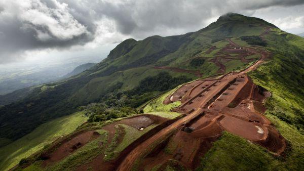 700 millions de dollars de Rio Tinto: Une plainte vise un proche du Grimpeur